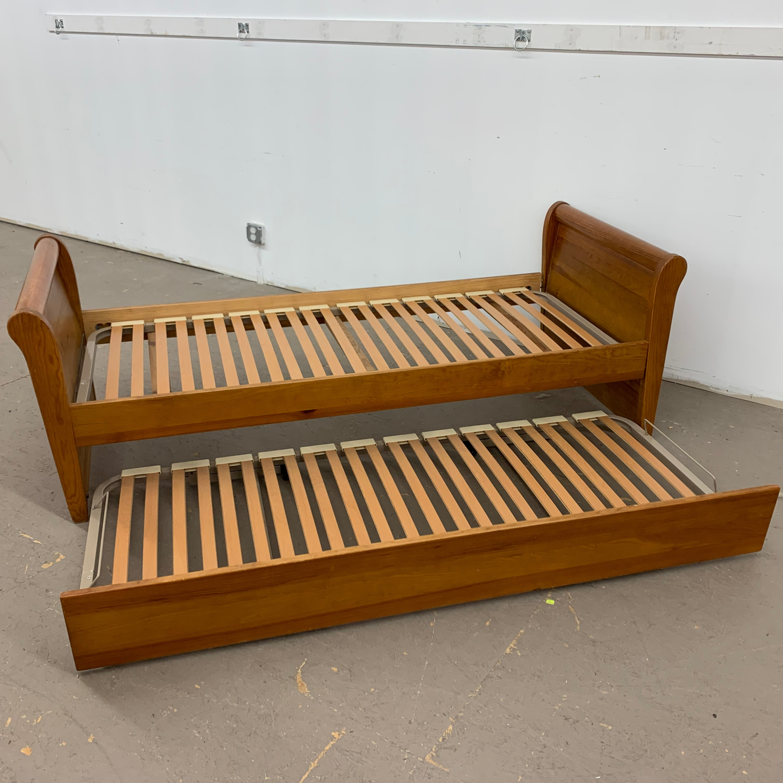 Twin Sleigh Bed With Trundle Bed Ulster Habitat Restore Online